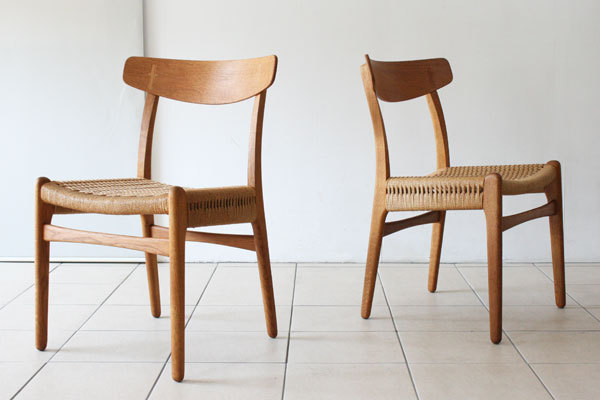 Wegner-Pair-of-CH23-Oak-02.jpg