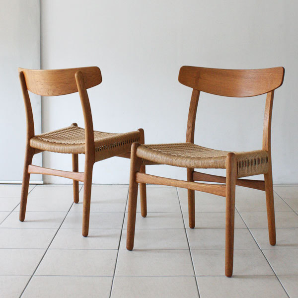 Wegner-Pair-of-CH23-Oak-04.jpg