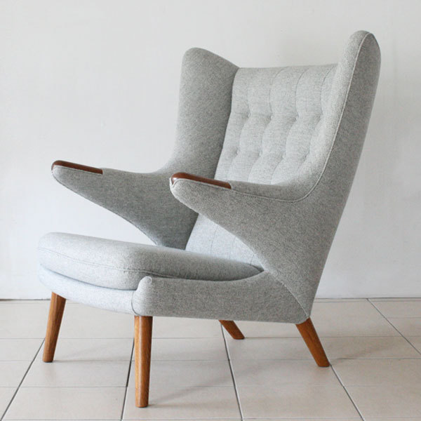 Wegner-Papa-bear-chair-03.jpg