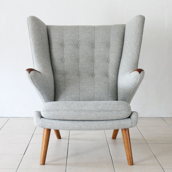 Wegner-Papa-bear-chair-04.jpg