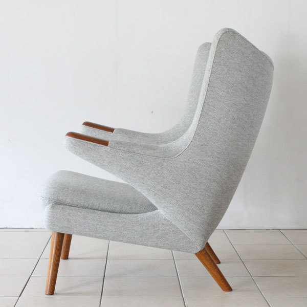 Wegner-Papa-bear-chair-05.jpg