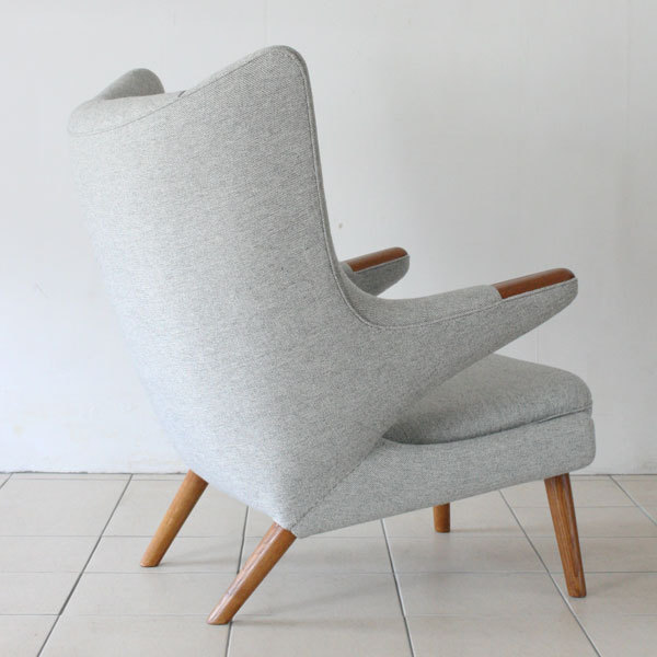 Wegner-Papa-bear-chair-06.jpg