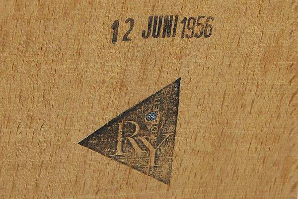 Wegner-RY20-Teak-04.jpg