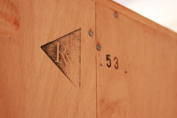 Wegner-Sideboard-RY20-Oak-Cane-07.jpg