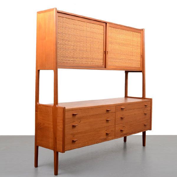 Wegner-Sideboard-RY20-Teak-and-Cane-02.jpg