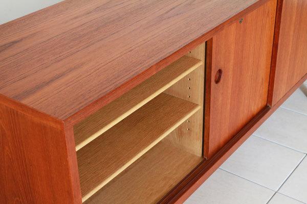 Wegner-Sideboard-RY26-Teak-06.jpg