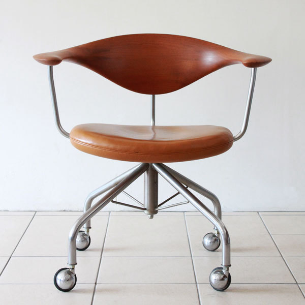 Wegner-Swivel-Chair--02.jpg