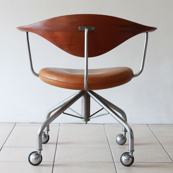Wegner-Swivel-Chair--05.jpg