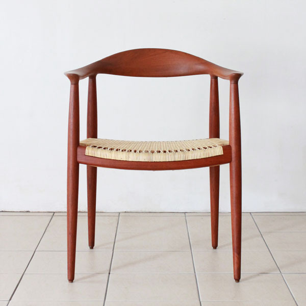 Wegner-The-chair-JH501-02.jpg
