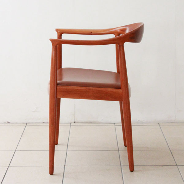 Wegner-The-chair-JH501-04.jpg