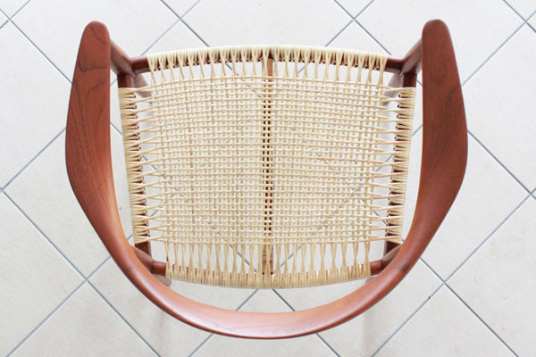 Wegner-The-chair-JH501-05.jpg