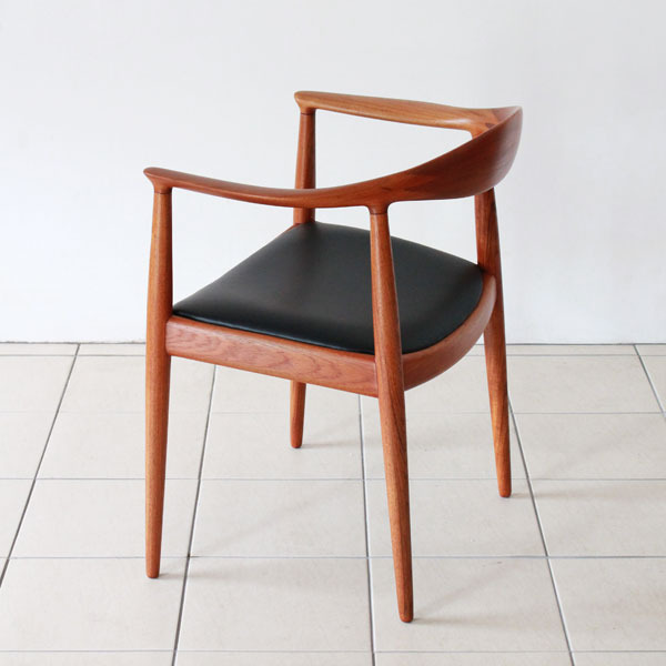 Wegner-The-chair-JH503-04.jpg
