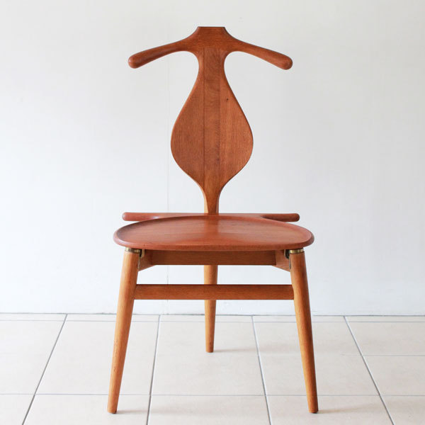 Wegner-Valet-chair-02.jpg