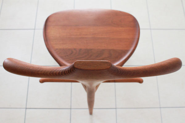 Wegner-Valet-chair-07.jpg