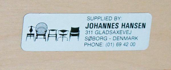 Wegner-armchair-JH701-06-thumbnail2.jpg