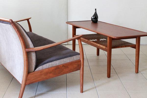 Wegner-coffee-table-AT10-01.jpg