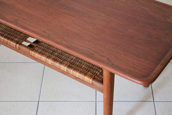 Wegner-coffee-table-AT10-03.jpg