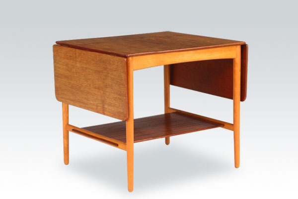 Wegner-coffee-table-AT32-01.jpg