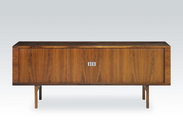Wegner-rosewood-sideboard-RY25-01.jpg
