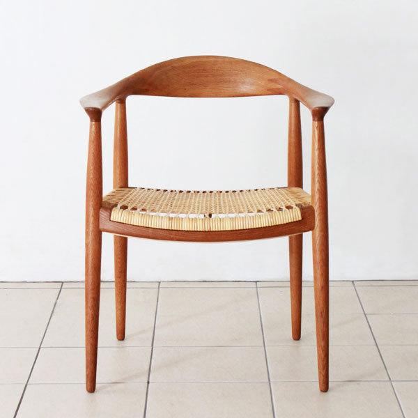 Wegner-the-chair-JH501-03.jpg