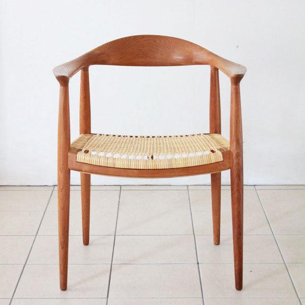 Wegner-the-chair-JH501-Oak-02.jpg