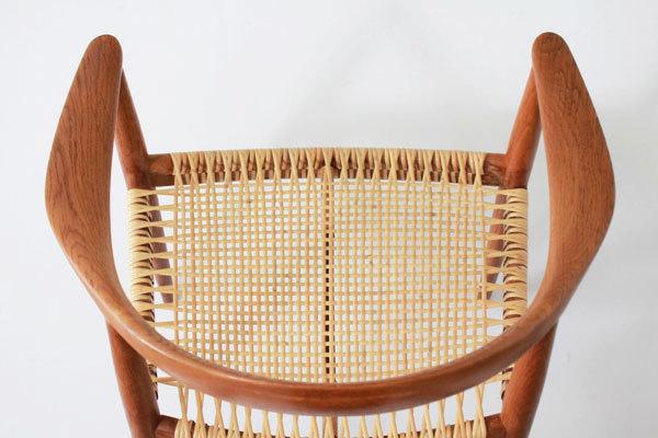 Wegner-the-chair-JH501-Oak-05.jpg