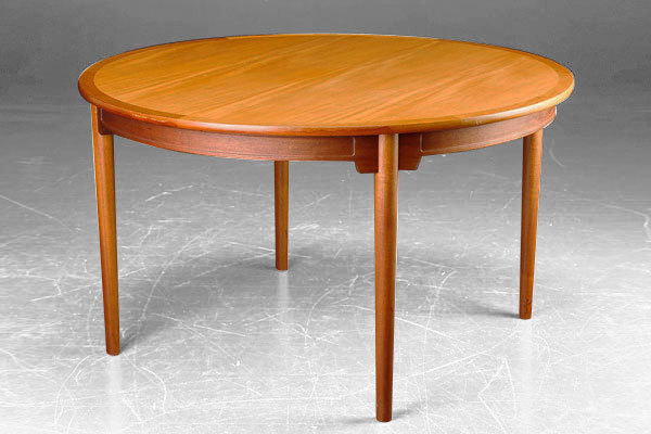 Wegner China Dining table-01.jpg