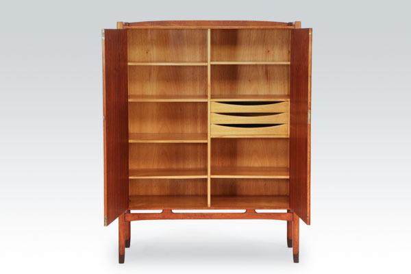 Yngve-Ekstrom-cabinet-02.jpg