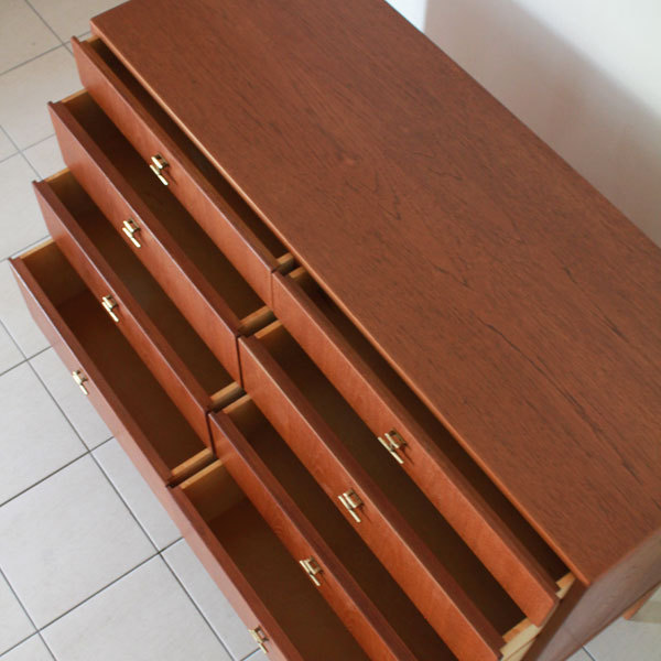mogensen-chest-04.jpg