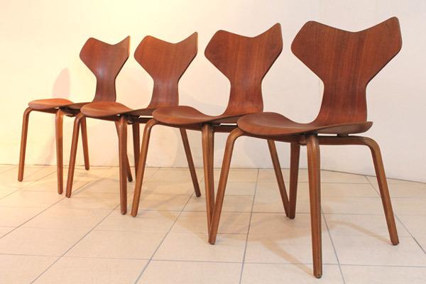 seven-chair01.jpg