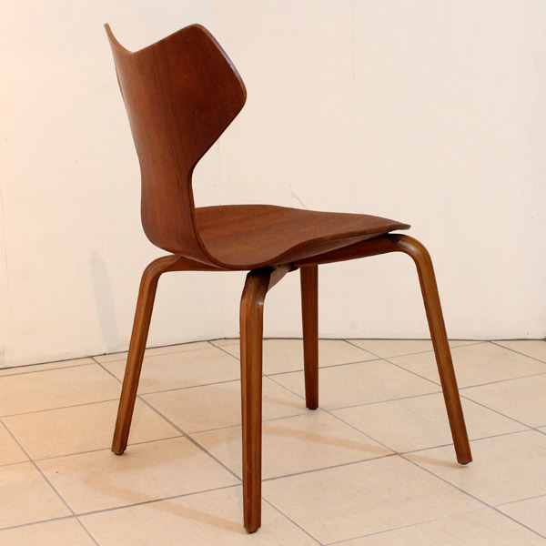 seven-chair04.jpg