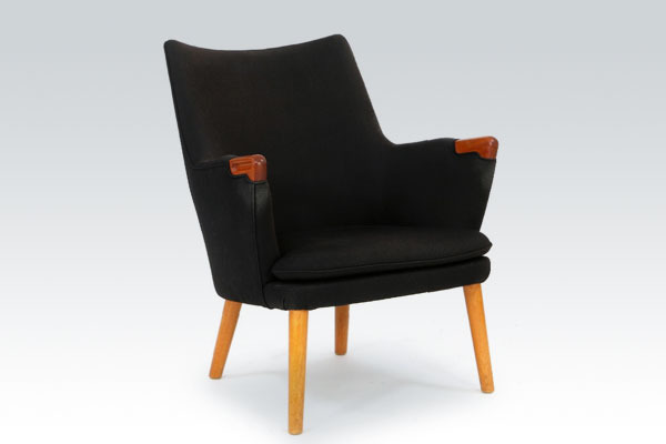wegner-minibear-chair-AP20-01.jpg