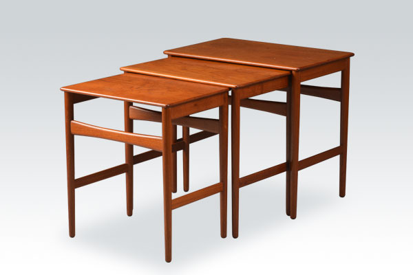 wegner-nesting-table-teak-01.jpg