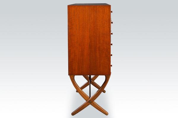wegner-xleg-sideboard-02.jpg