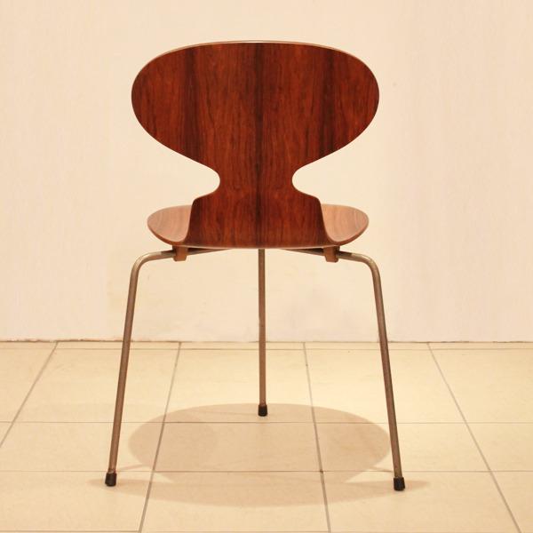 Arne-Jacobsen--Ant-chairs.-Fritz-Hansen-07.jpg