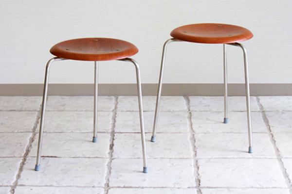 Arne-Jacobsen--Stool.jpg