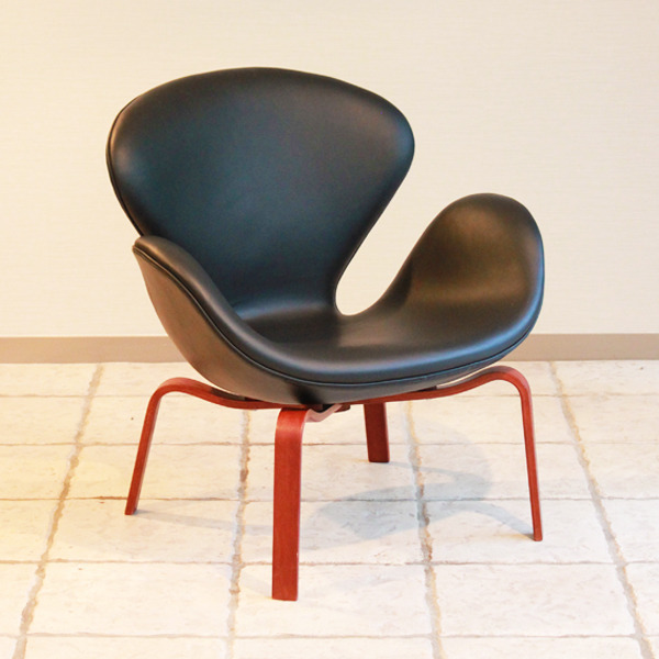 Arne-Jacobsen--Swan-easy-chair.-model-4325--Fritz-Hansen-02.jpg
