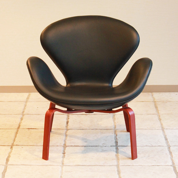 Arne-Jacobsen--Swan-easy-chair.-model-4325--Fritz-Hansen-03.jpg