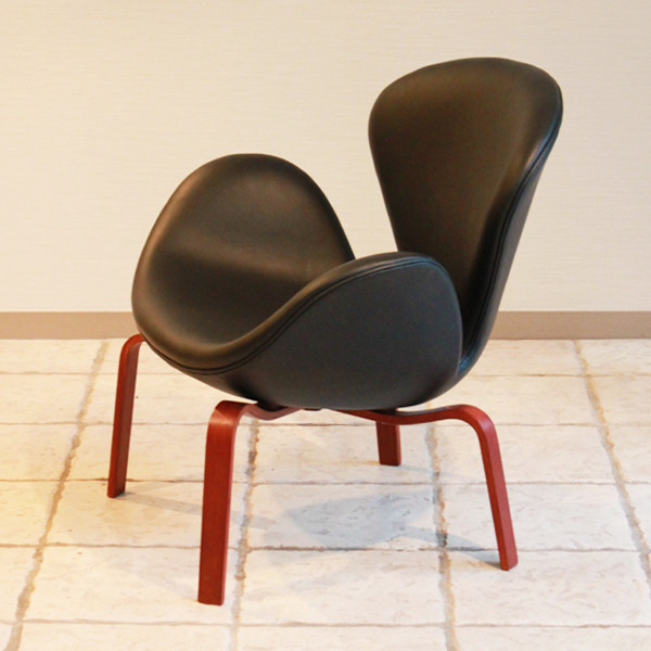 Arne-Jacobsen--Swan-easy-chair.-model-4325--Fritz-Hansen-05.jpg