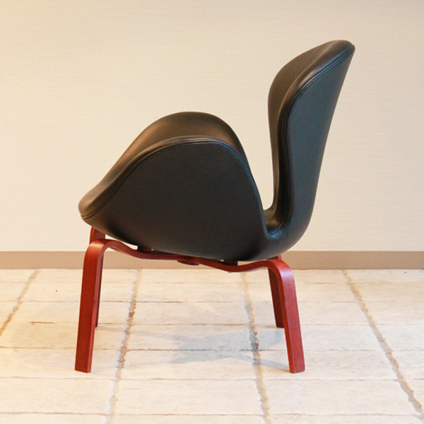 Arne-Jacobsen--Swan-easy-chair.-model-4325--Fritz-Hansen-06.jpg