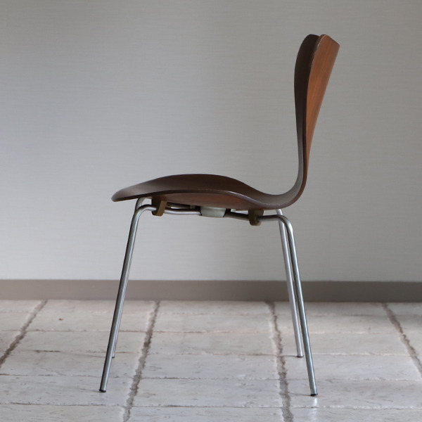 Arne Jacobsen  Seven chairs. Rosewood  Fritz Hansen (4).jpg