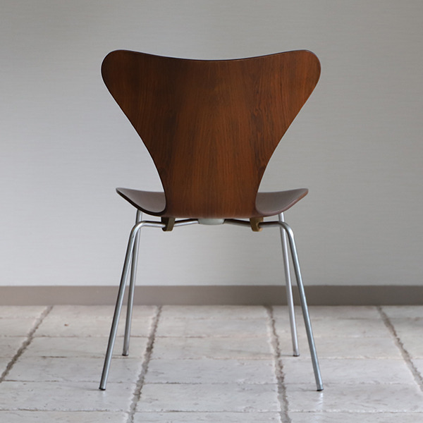 Arne Jacobsen  Seven chairs. Rosewood  Fritz Hansen (5).jpg