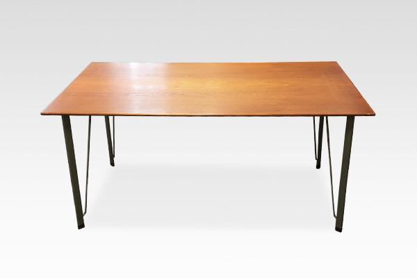 Arne Jacobsen  desk Fritz Hansen (6).jpg