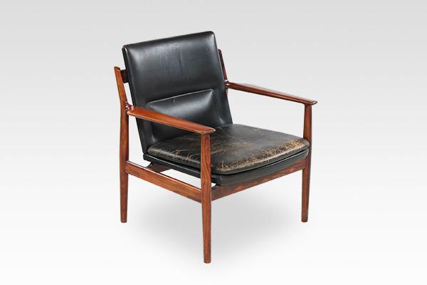 Arne Vodder  Armchair.model 431 rosewood  Sibast (1).jpg