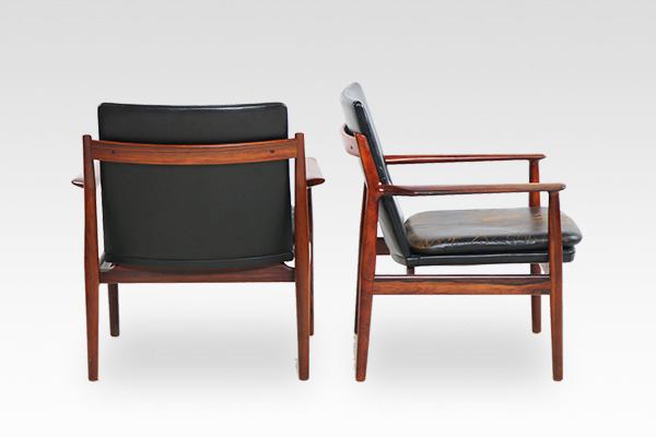 Arne Vodder  Armchair.model 431 rosewood  Sibast (2).jpg
