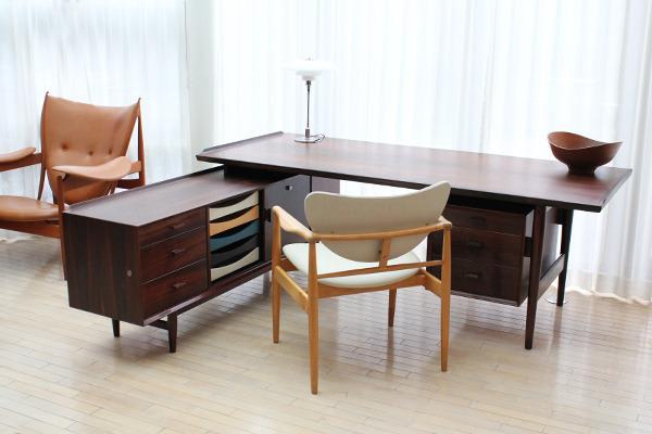 Arne Vodder  Rosewood sideboard and desk, rosewood  Sibast (9).jpg