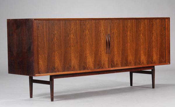 Arne Vodder  Sideboard  model75 rosewood  Sibast-01.jpg