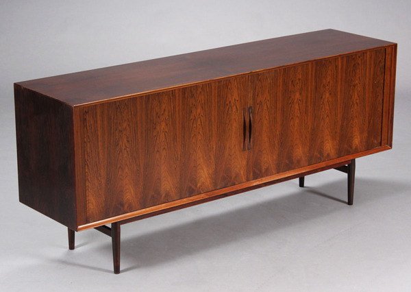 Arne Vodder  Sideboard  model75 rosewood  Sibast-04.jpg