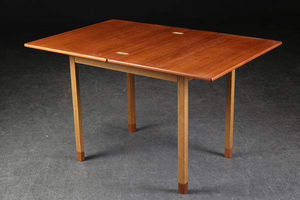 Borge Mogensen  Folding table  FDB (5).jpg