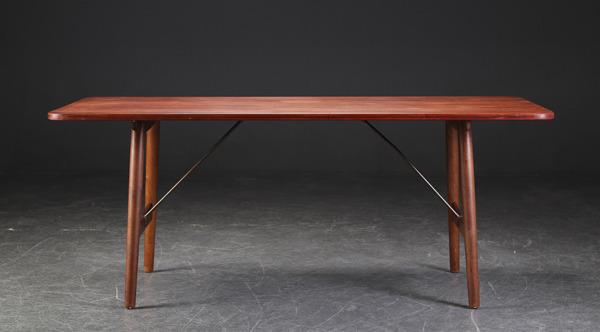 Borge Mogensen  Hunting table  Soborg Mobler (2).jpg